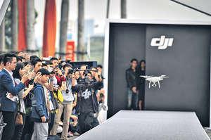 深圳近年不斷發展高新科技,例如大疆等,這些企業擴展出去,甚至在其領域統領全球。(新華社資料圖片)