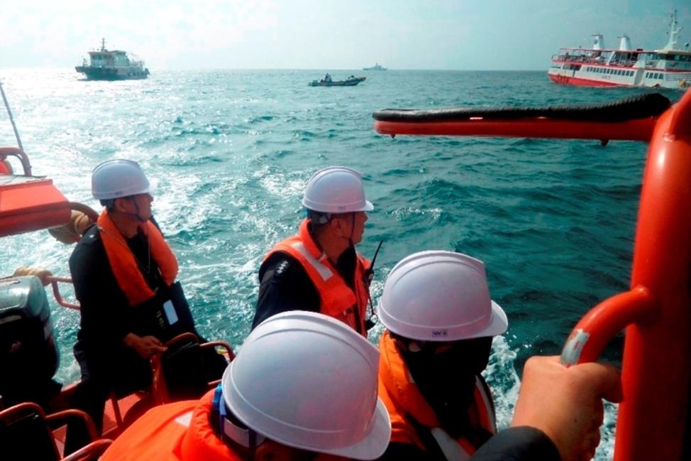 涉事中國漁船被指一度欲逃離。