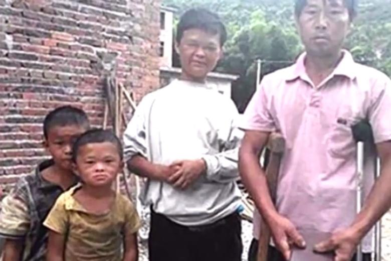 「小馬雲」家境貧困,母親有先天智障問題沒有工作能力,父親亦有殘疾。