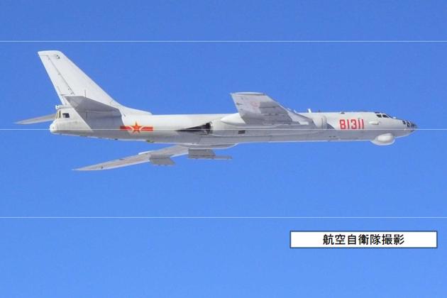 昨天,日本防衛省亦發現8架中國軍機,從東海朝南韓東海飛去後,日方出動20餘架戰機戒備。