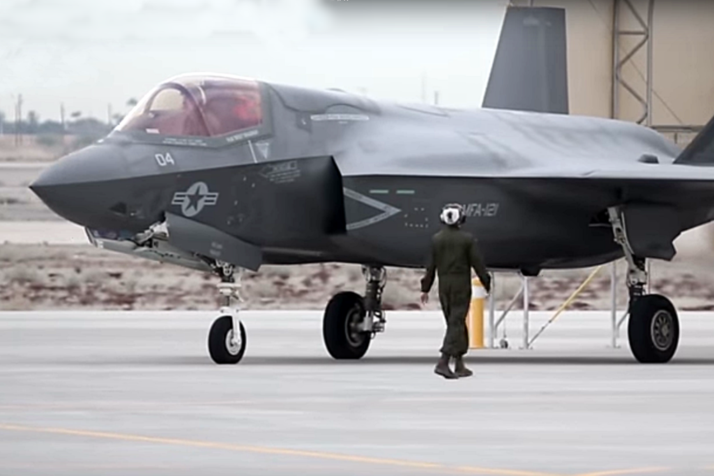美國海軍陸戰隊表示,美軍10架F-35B隱形戰機已離開亞利桑那基地,未來數日內陸續抵達日本山口縣的美軍岩國基地。