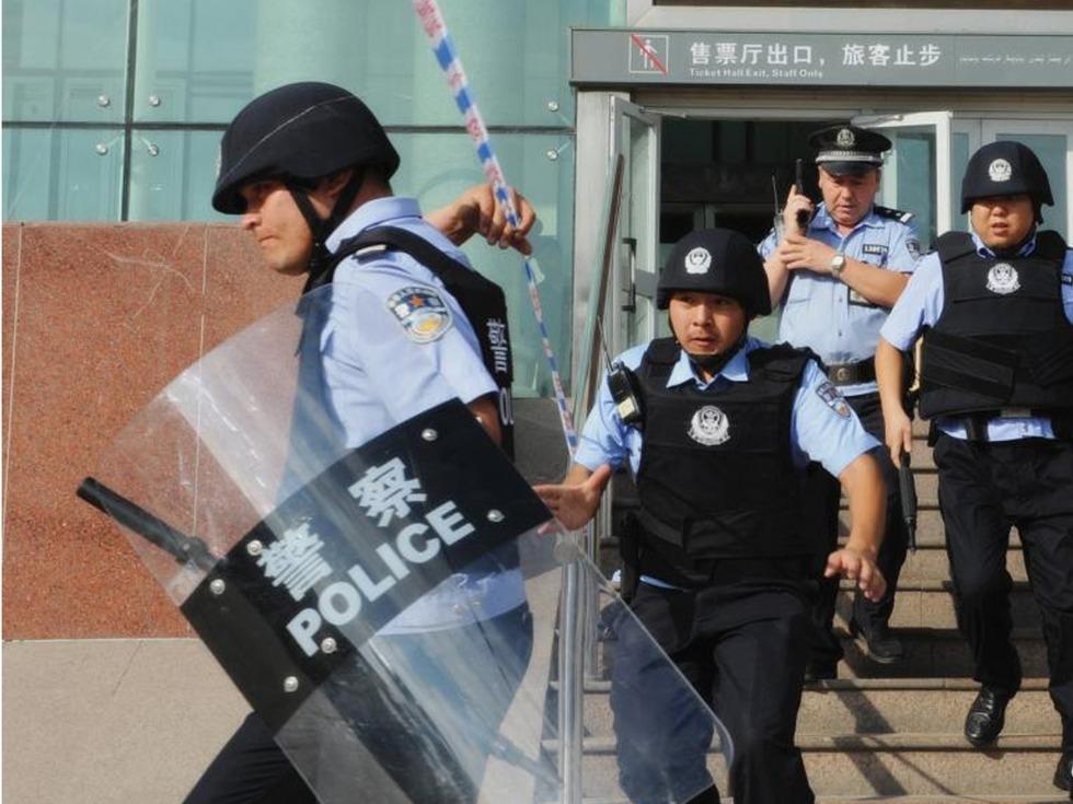 執行任務的新疆警方。(資料圖片)