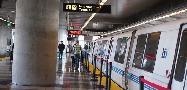 三藩市地鐵門警,收入原來不差,加上大量加班津貼及薪酬,年收入可以過百萬元人民幣。