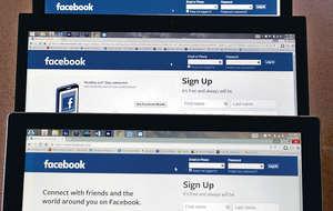 社交網站Facebook進軍網上招聘市場,新服務主打幫助中小企填補人力空缺,而用戶可直接按鍵遞表申請,非常方便。(路透社資料圖片)