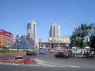 新疆一些地方,正加強對汽車的監管。