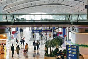 航空公司如何以獨家服務令貴賓感高人一等,但又不致令普通客人受待薄,絕對需要小心平衡。圖為香港機場客運大樓。(資料圖片)