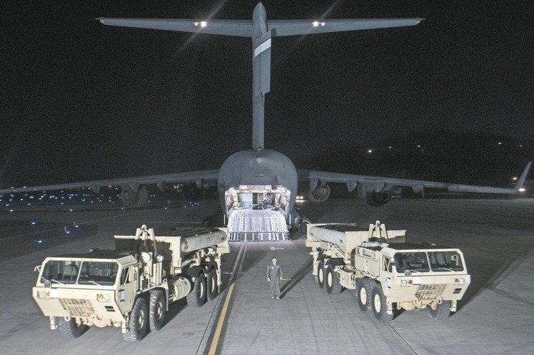 薩德發射架等裝備此前已運抵南韓,並正式展開部署,中方反制措施不斷升級