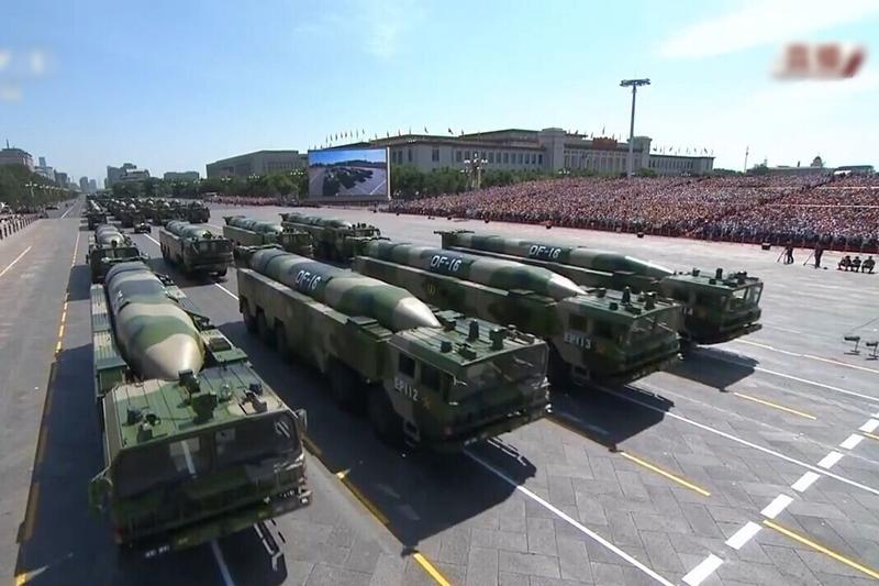 東風-16型彈道導彈在2015年大閱兵中,首度亮相。