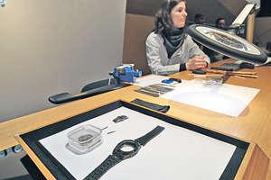 愛彼錶展館內有多位的資深錶匠駐場,各人都示範着不同的工序,並不時為客人作出講解。