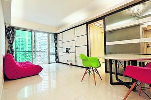 兩廳寬敞,飯廳利用鏡牆引入更多光綫。(曾有為攝)