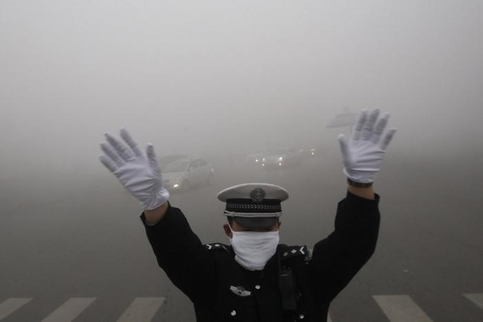 霧霾問題難解,引起民眾不滿情緒。