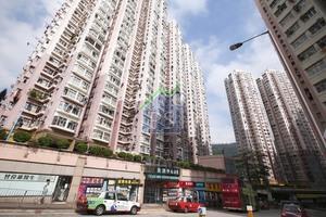 荃灣中心低層,北京客電話議價,追價至392萬元購入單位。