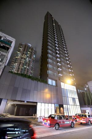 馬頭角聯合道18號項目銅璵,獲鄧成波以約13億元全幢承接,惟當中未計項目舖位部分及車位。