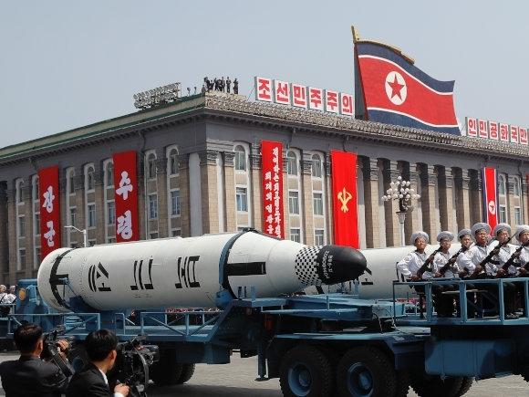 北韓搭載導彈的大型卡車為竟是中國製造。