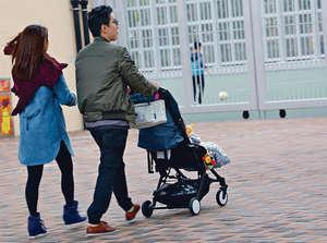 香港出生率偏低,政府若要提高生育率,首務加強對嬰幼兒和家長的支持。(資料圖片)
