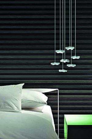 【燈飾推介】Silver Light System由多個星形燈罩組成,給空間注入浪漫光色。售$21,801。(相片由被訪者提供)