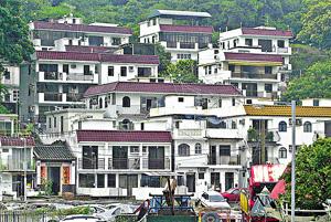 本港面對土地不足問題,有建議認為,與其開發新地,何不由已發展的土地如丁屋等入手,增加住屋解問題。(資料圖片)