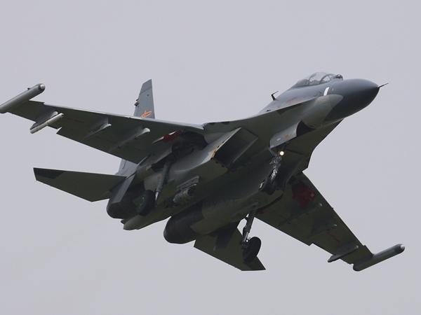 圖為解放軍蘇-30戰機。(資料圖片)