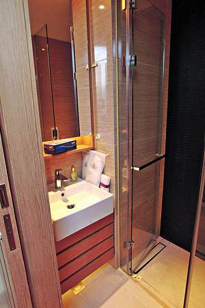 是次驗收的單位分數有80多分,整體質素不俗,有多個項目滿分,包括浴室的磁磚、廁所櫃等。(相片由代理提供)