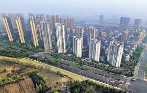 今年內地一些城市出台一系列房地產調控政策,如限購、限貸、限價等,盼遏制去年房價瘋漲的局面。(新華社資料圖片)