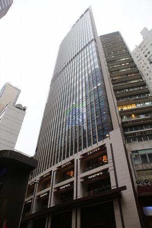 上環The Wellington樓高30層,物業總樓面約10萬呎,目前全數租出,平均呎租約50至60元,以30億元成交價計,呎價約3萬元。