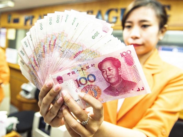 在官方維穩反擊評級機構下調中國主權信貸評級,出手推高匯率的背景下,近日在岸人民幣兌美元匯價再次飈升走強。