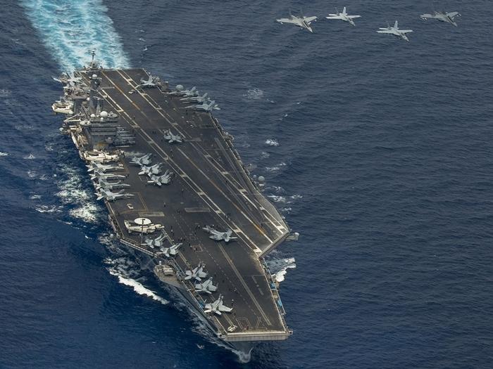 圖為美軍航母此前在南海巡航。