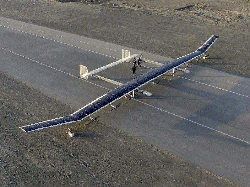 中國太陽能無人機彩虹-T4,日前進行高空試飛。