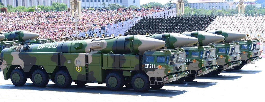 閱兵展示的東風-21D導彈。