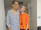 劉曉波患肝癌保外就醫,妻子劉霞陪伴在旁。劉曉波病逝後,至今仍未知劉霞狀況。