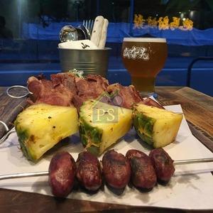 食物、飲品也要本土,其中手工啤酒以香港酒廠為主。(相片由受訪者提供)