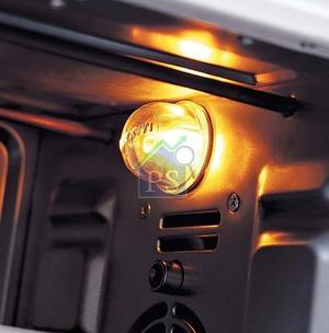 內置焗爐燈,食物的烹調狀況從此一目了然。