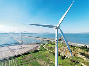 全球低碳經濟轉型已是大勢所趨,不僅要政策的推動和執行,還需要大量資金投放於綠色基礎設施和技術研發。(中新社資料圖片)