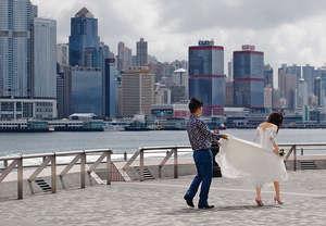 去年有調查顯示,香港對愛侶關係滿意感只有51分,在亞洲排第8,而定期跟伴侶溝通的比例亦墊底。(資料圖片)