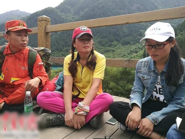 2名女遊客在被困50多小時後獲救。(中國青年報圖片)