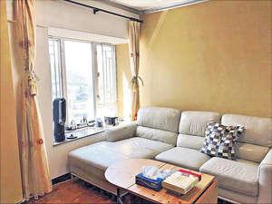 客廳間隔四正,易於布置。