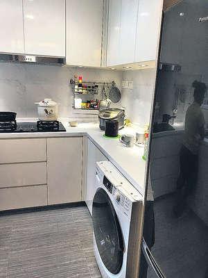 廚房新淨企理,備餐空間充裕。