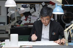 Patrick Leung研習西洋書法接近30年,既愛標準的羅馬字體,又愛freestyle風格字體。