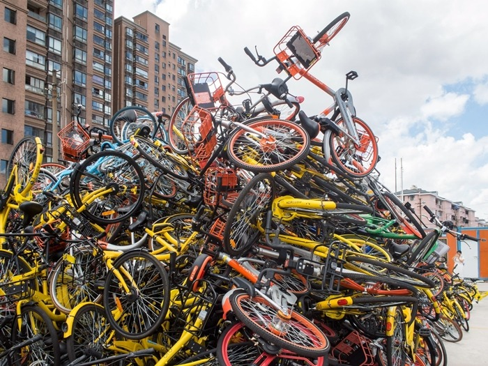 隨著官方加大整頓共享單車的力度、多個城市紛紛停止投放,導致部分單車廠再陷寒潮。