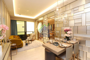 長型客飯廳面積超過180平方呎,連接約近30平方呎的露台,廳房同景。