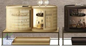 YFOS酒吧連酒櫃,結合了中式屏風的通透度,是融滙古今及中西文化的示範作。
