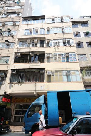 元州街6層高商住物業,全幢以3800萬元連租約放售。