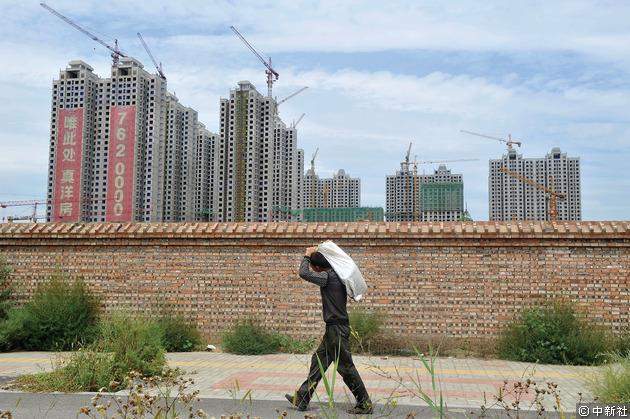 有分析指,房地產增長放緩的影響,或波及消費等領域,拖穩增長添上不明朗因素。