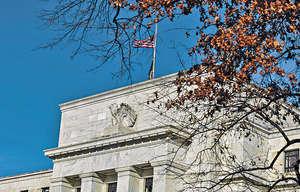 聯儲局一如預期,宣布10月啟動縮表;而聯邦基金利率前瞻指引顯示,從現在至2018年末,聯儲局有意再加息4次,合共一厘。(新華社資料圖片)