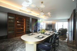 西半山寶珊道18號尚璟、18樓B室的現樓連裝修示範單位,實用面積2,206平方呎。
