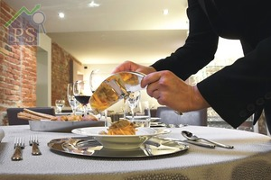 Alessi剛上架的Alba松露刨,出自荷蘭建築師Ben van Berkel手筆,並由意大利國家松露研究中心及全球最大的Alba白松露交易市場共同研製。