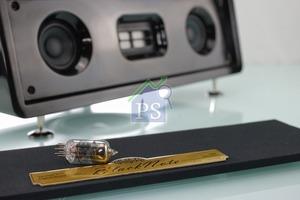 可更換真空管,支援不同型號︰6J1 / 5654 / 6AU6, 可按個人喜好,帶來不同的音色享受。
