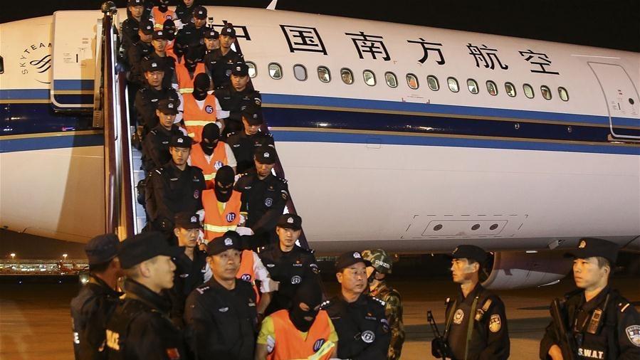 公安屢將境外從事電訊網絡詐騙的中國人,押回中國處置。