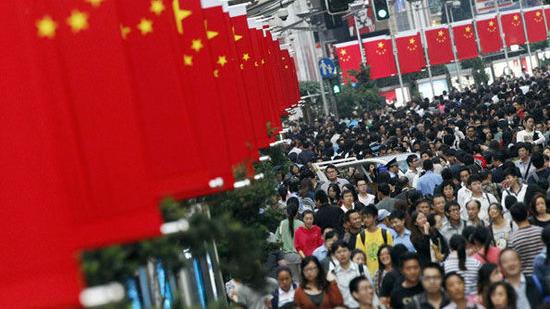 國家統計局公布,內地10月社會消費品零售總額按年增長10%,不及預期,較上月有所回落。