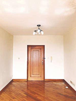 大門無走廊,可用盡空間。(代理提供)